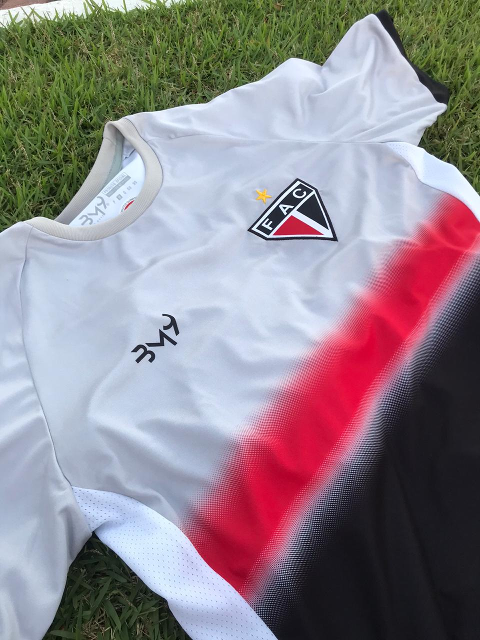 Kit dos pais (camisa treino +caixa presente)