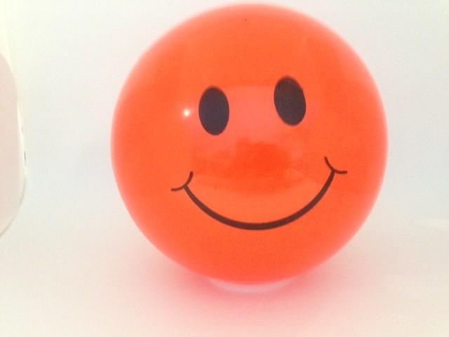 Bola de Vinil Sorriso 23 cm  - Bolas Lassabia - Bolas de Futebol e Volei