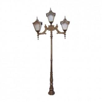 Poste Colonial Romano com 3 Luminárias
