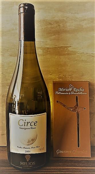 Vinho Branco com chocolate ao Leite  - Vinícola Helios