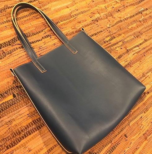 desenvolvemos e confeccionamos sacolas, necessaires, bolsas, estojos. modelos exclusivos e personalizados.