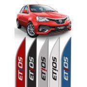 """Friso Lateral Personalizado """"Modelo Faca"""" Toyota Etios"""
