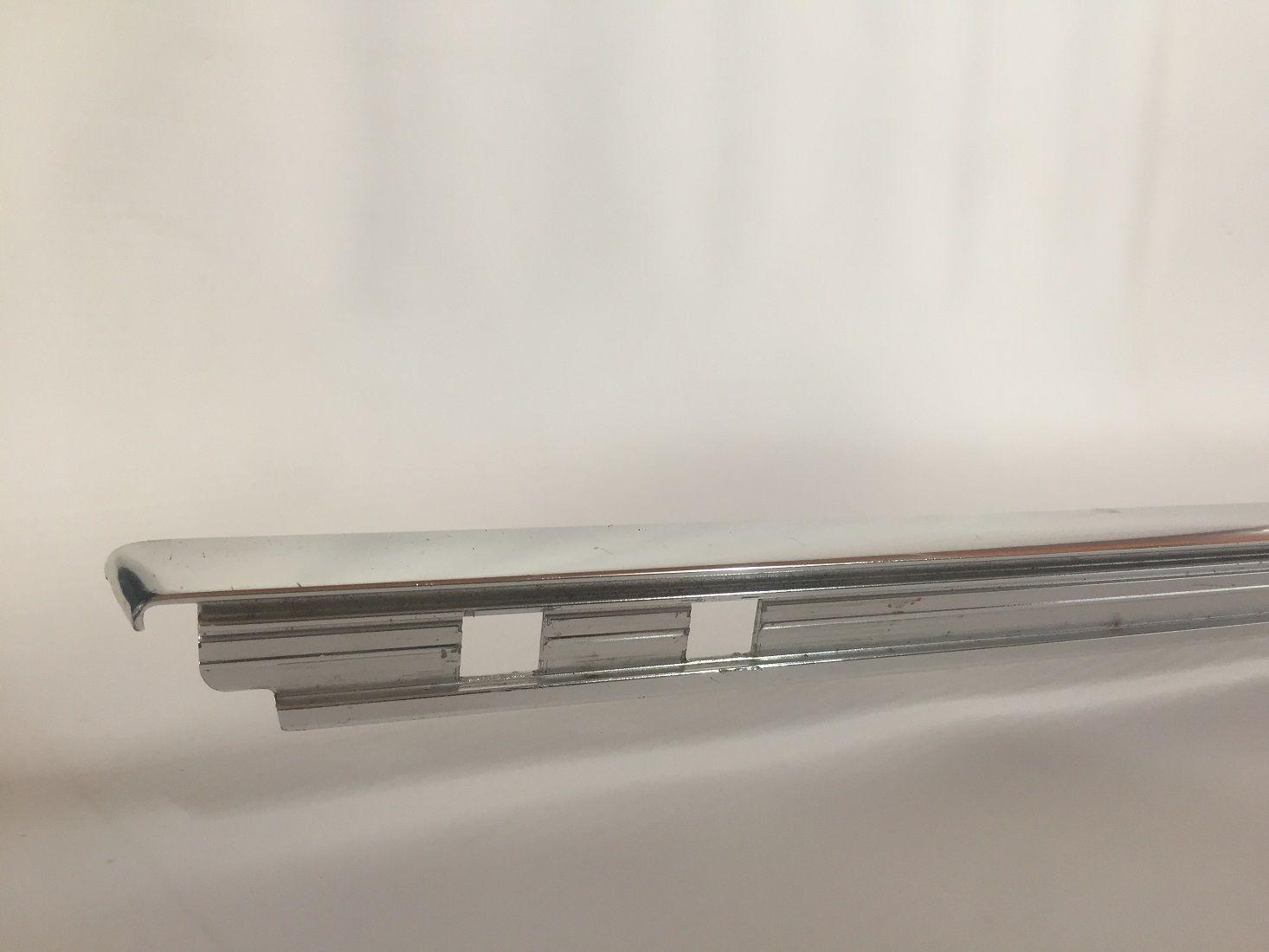Friso Moldura Da Janela Porta Traseira Direita BMW E39 SERIE 5  - Só Frisos Ltda