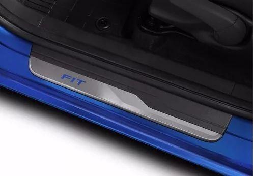 Soleira de Porta de LED Honda Fit  - Só Frisos Ltda