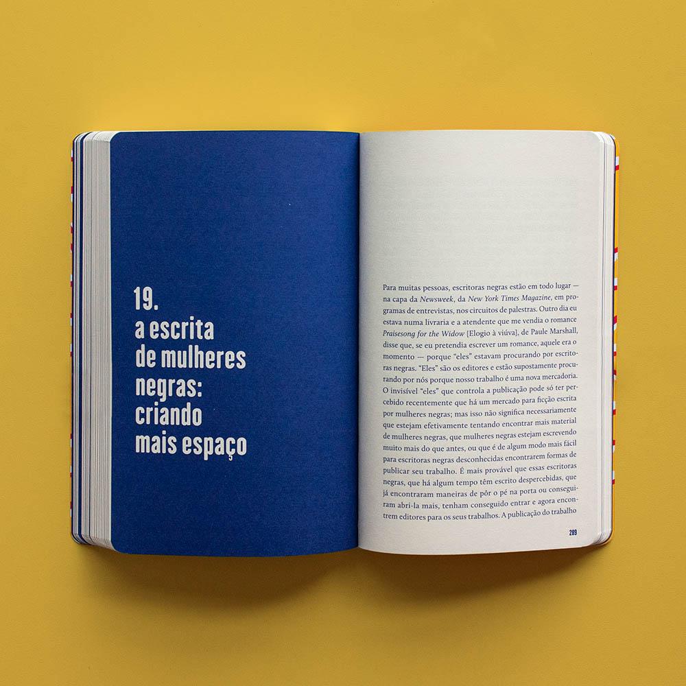 Erguer a Voz - bell hooks  - LiteraRUA