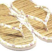 Chinelo de Palha Oriental Tipo Japonês Zori Lavável Tricoline Floral Rosinhas
