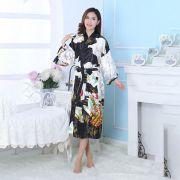 Kimono tipo Japonês Preto Longo Estampa de Gueixa, Cetim de Alta Qualidade Suave ao Toque, Elegante Robe Casual