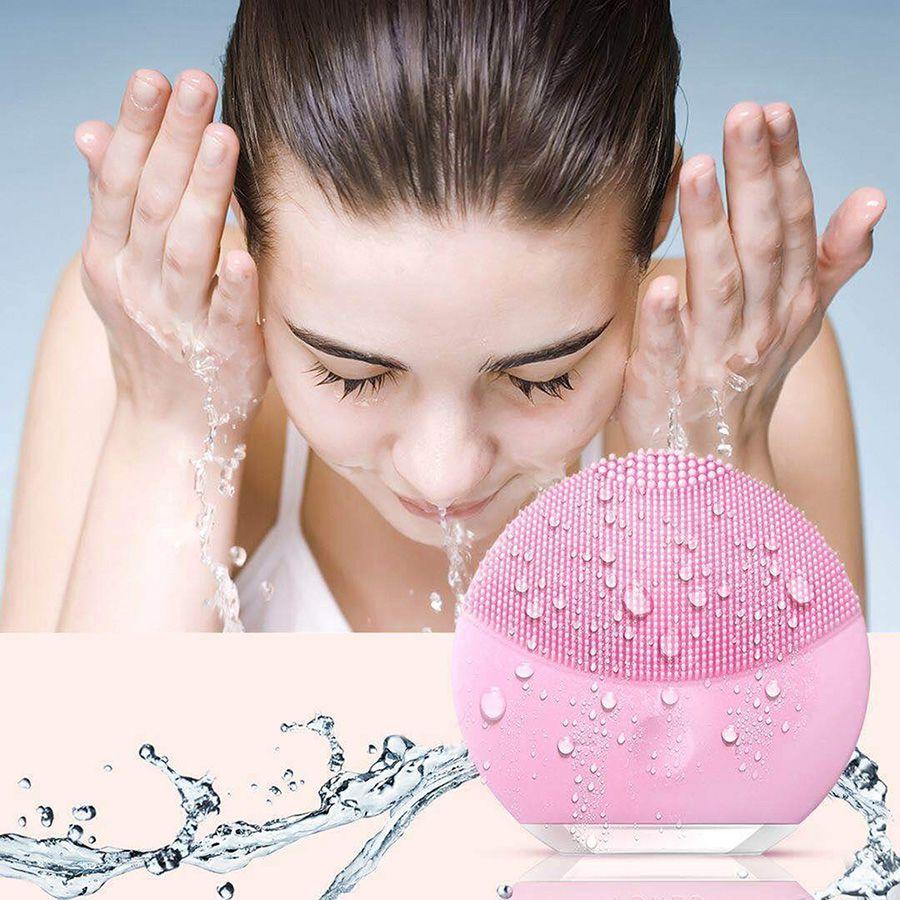 Kit Escova Elétrica Massageadora Limpeza Facial Pink + Massageador Terapêutico Magic Wand Branco 36 cm Recarregável, 10 vibrações, Varinha Mágica / Alivia dores e relaxa músculos