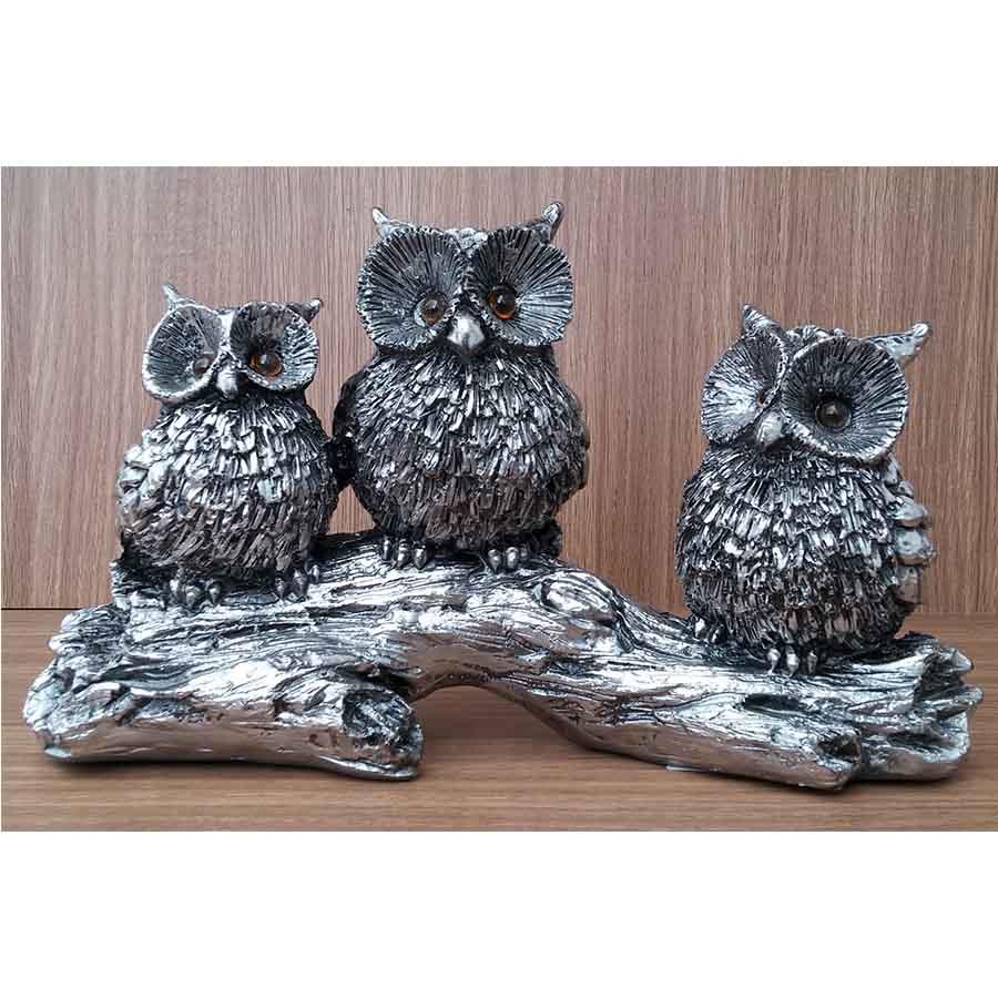 Peça Decorativa em Gesso Metalizado – Trio de Corujas Olho de Vidro