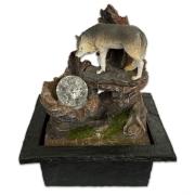 Fonte de Água Cascata Decorativa de Mesa Bivolt Lobo na Pedra 25cm