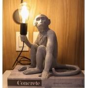 Luminária Mesa Monkey Macaco Resina Cinza 30x28x28cm