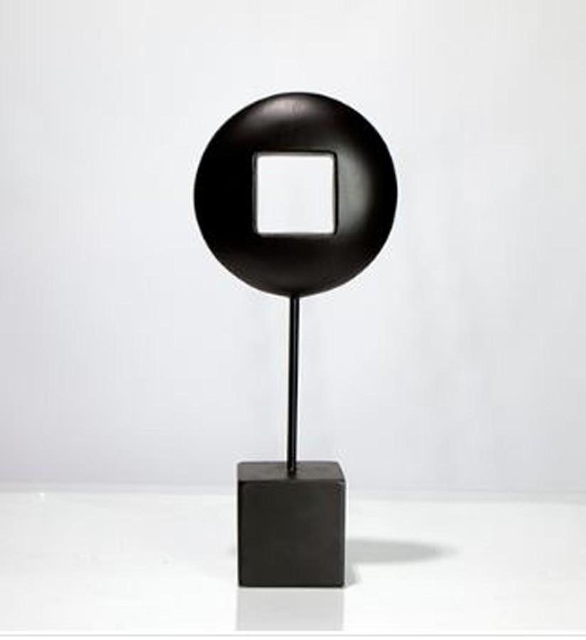 Escultura Circulo Vazado Resina Preto  - Arrivo Mobile