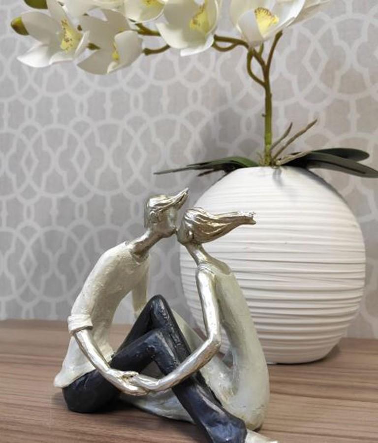 Estatueta Resina Beijo Casal 18x9,5x14cm  - Arrivo Mobile