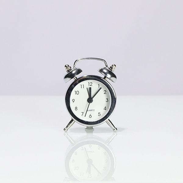 Relógio De Mesa Com Despertador Pequeno Prata  - Arrivo Mobile