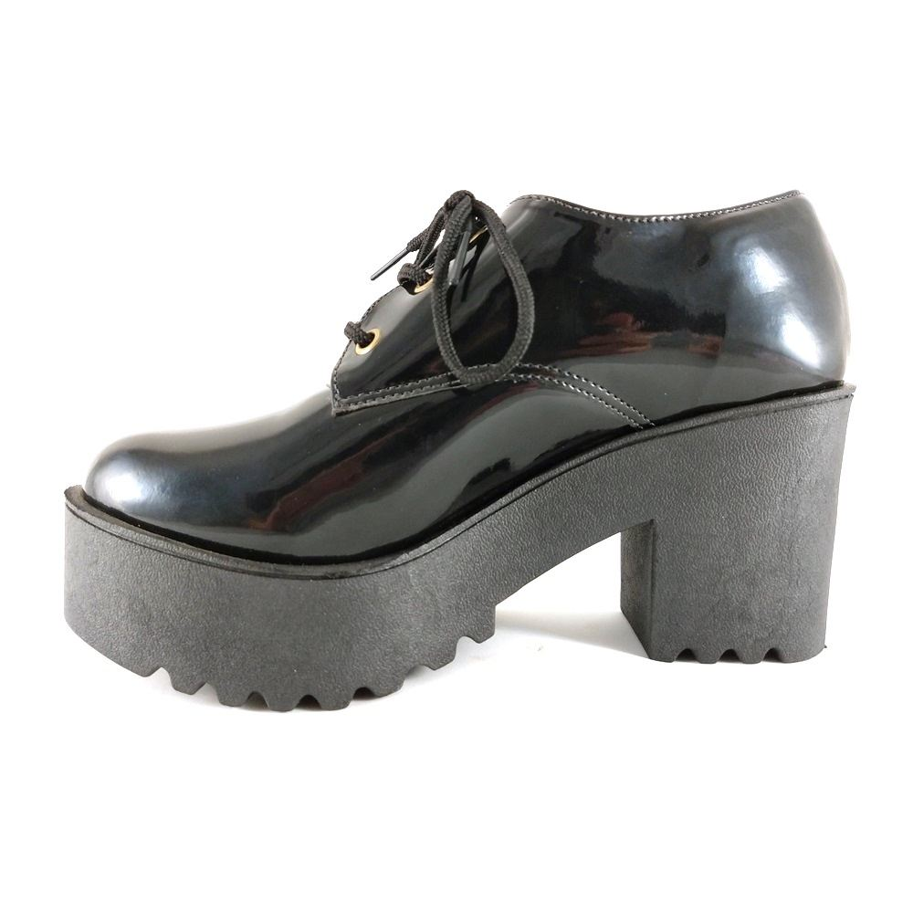 Sapato SapatoWeb Salto Grosso Tratorado Verniz Preto  - SAPATOWEB.COM