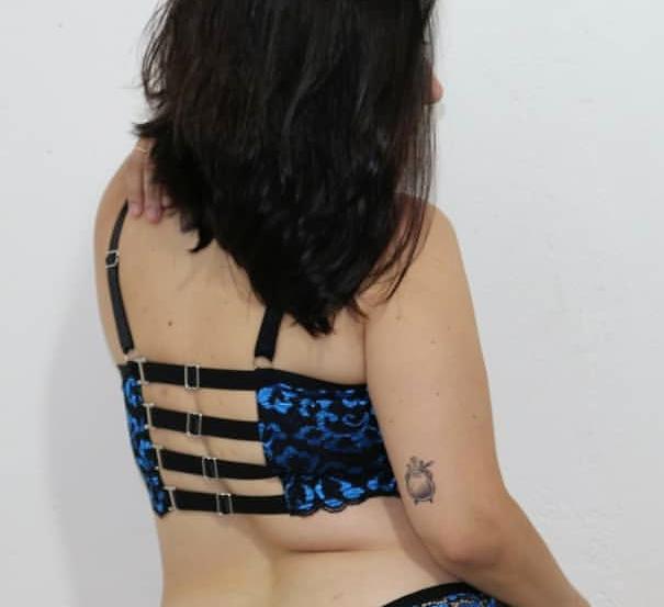 Sutiã com regulagem nas costas preto/azul