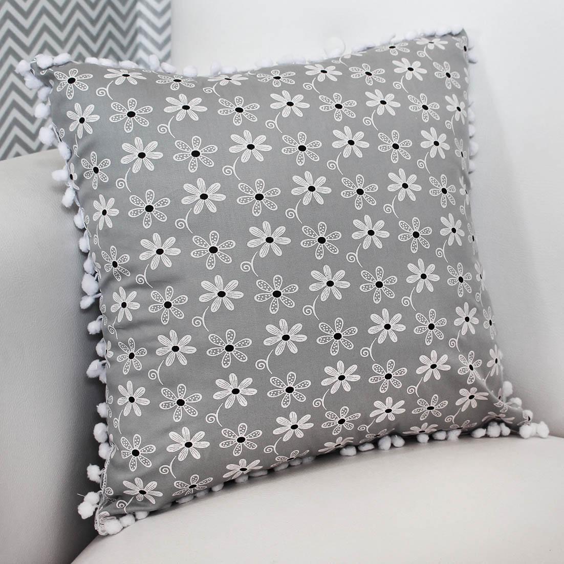 Almofada Decorativa Estampada Floral Cinza