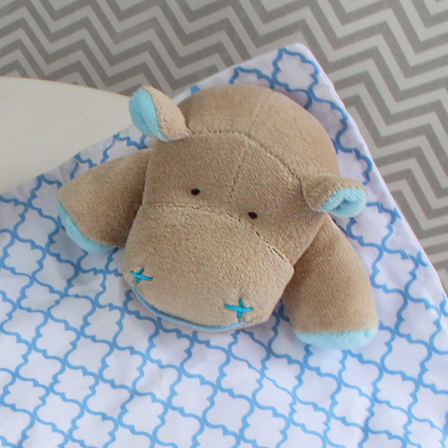 Naninha c/ Porta Chupeta - Hipopótamo Azul