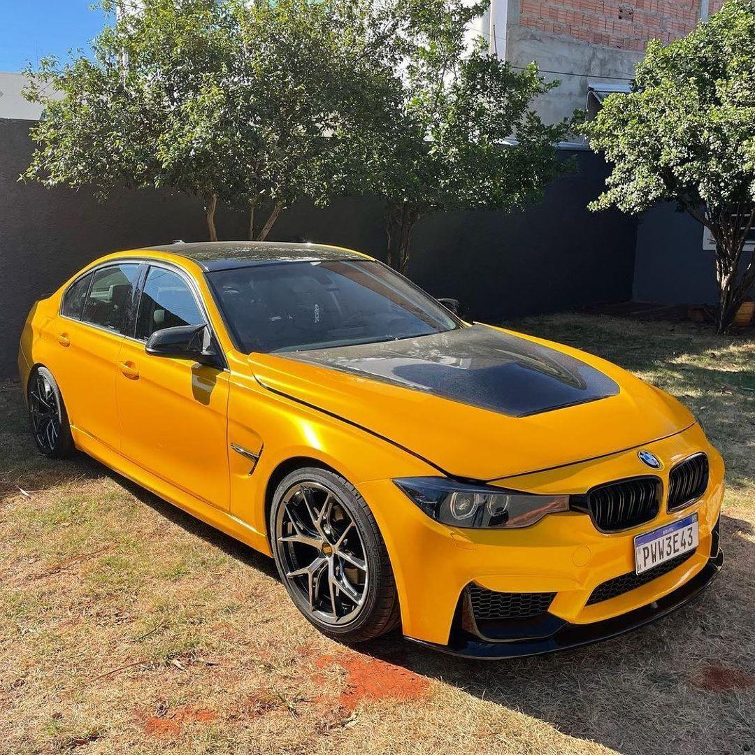 Teckwrap - Golden Yellow Gloss Metallic - RB25