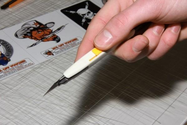 Estilete de 9mm para cortes e detalhes YelloCut Master