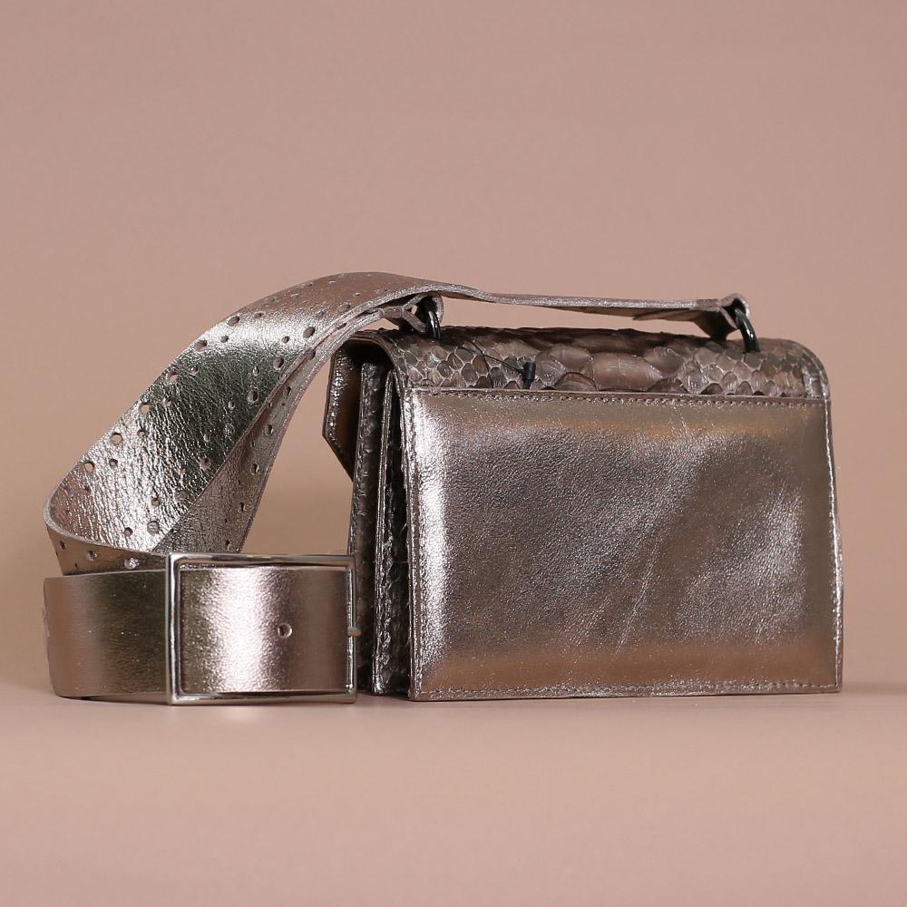 Bolsa Adelaide prata velha