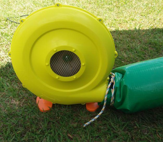 Tobogã Inflável 2 em 1 com Piscina de Bolinha  - Gutana Brinquedos