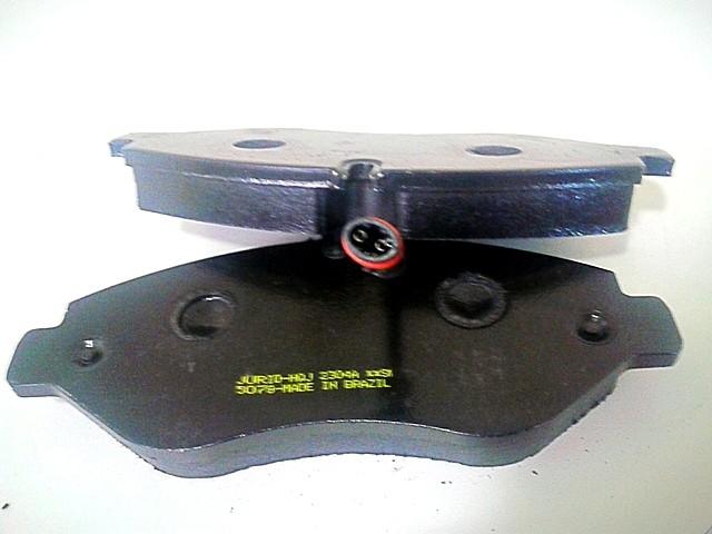 Pastilha Freio Bendix Jurid MB Sprinter 415 2012 em Diante (jogo)