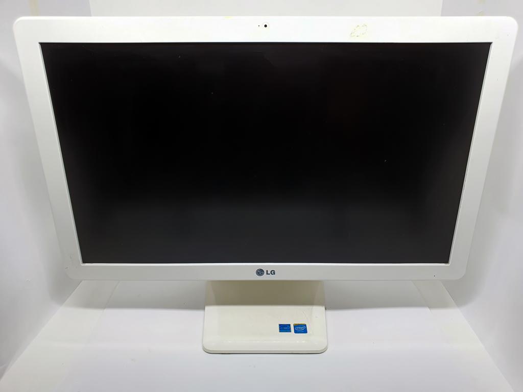 All in One LG Quad Core Sétima Geração - LG 22V278-L3J31P1 com Processador Intel Quad Core Sétima Geração - RAM 8GB - HD 500GB - TELA 22
