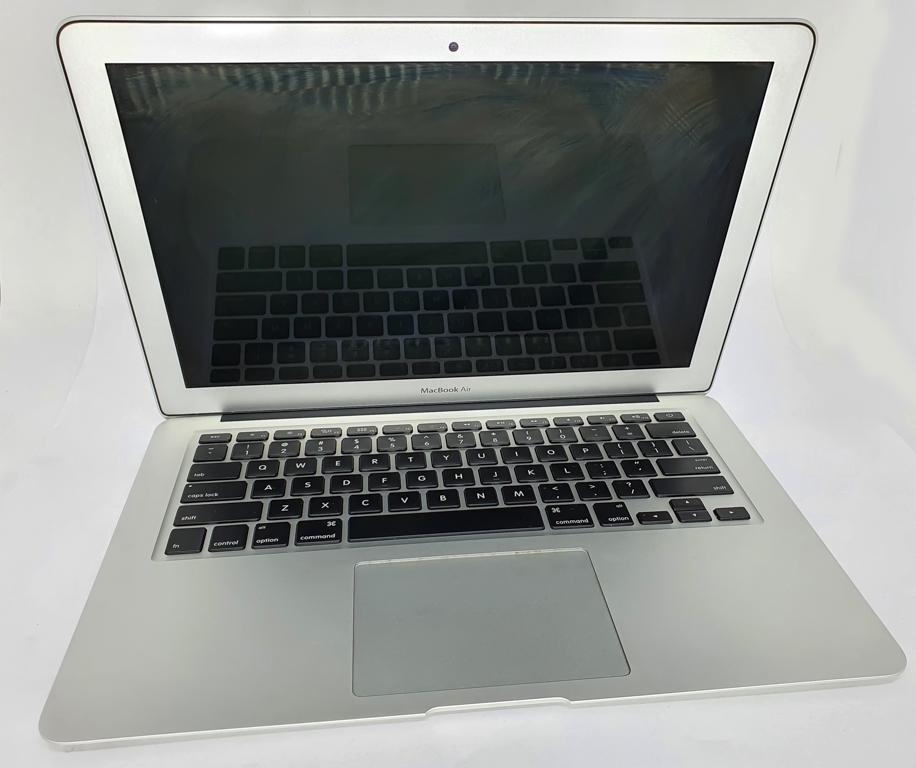 Apple MacBook Air A1466 com Processador Intel Core i5 - RAM 8GB - HD 250GB SSD - TELA 13
