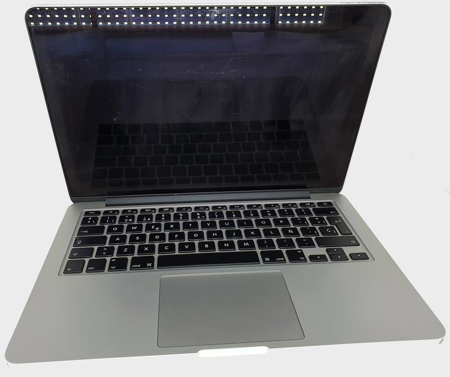 Apple MacBook Pro A1502 com Processador Intel Core i5 - RAM 8GB - HD 120GB SSD - TELA 13,3