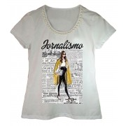 Camiseta adulta feminina bordada estampa jornalismo