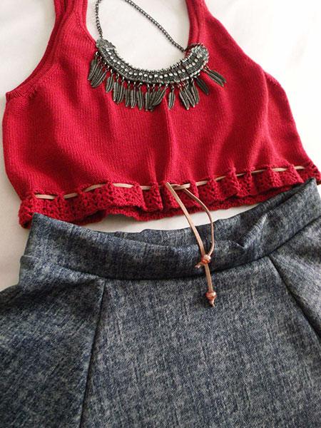 Cropped tricô cereja