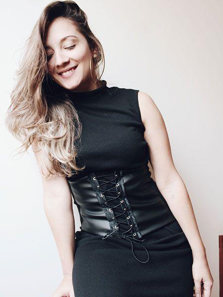 Vestido midi canelado preto