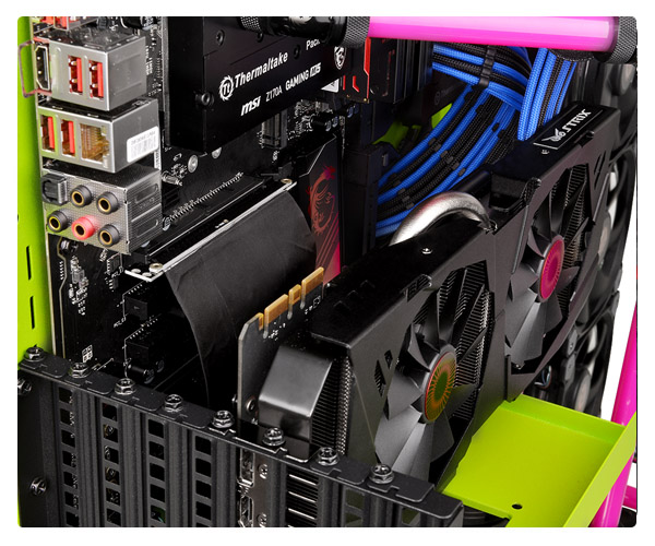 Cabo Extensor PCI Express 3.0 x16 20cm Thermaltake Riser Cable AC-039-CN1OTN-C1