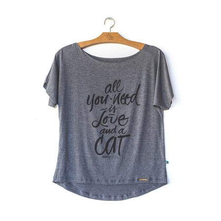 Blusa All you need is love and Cat