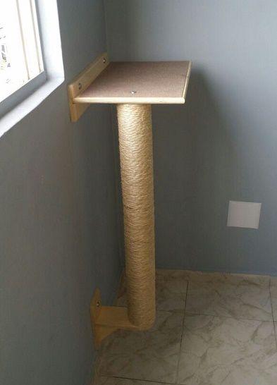 Poste 65 cm com prateleira