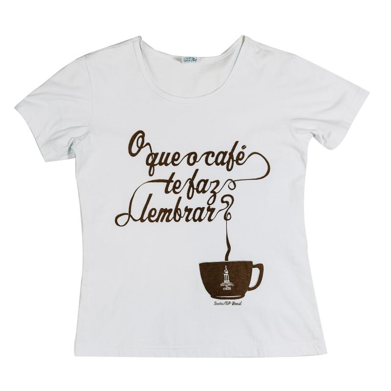 """Camiseta baby look """"O que o café te faz lembrar?"""