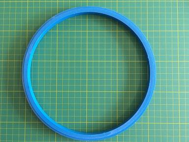 Bastidor de plástico AZUL com aproximadamente 20 cm de diâmetro