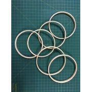 6 argolas simples de madeira para guirlandas e afins. Diâmetro:  14cm. Largura : 1cm. (medidas aproximadas de cada peça)