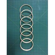 6 argolas simples de madeira para guirlandas e afins. Diâmetro: 10cm. Largura: 1cm. (medidas aproximadas de cada argola)