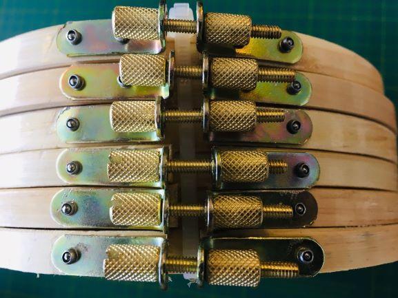 Bastidor  tipo ATC 22 cm de diâmetro com tarraxa CURTA. (6 unidades)