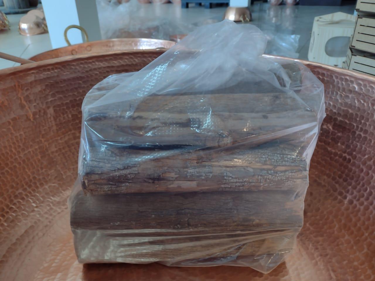 Lenha De Eucalipto Em Saco P/ Lareira, Churrasqueira 10 Kg