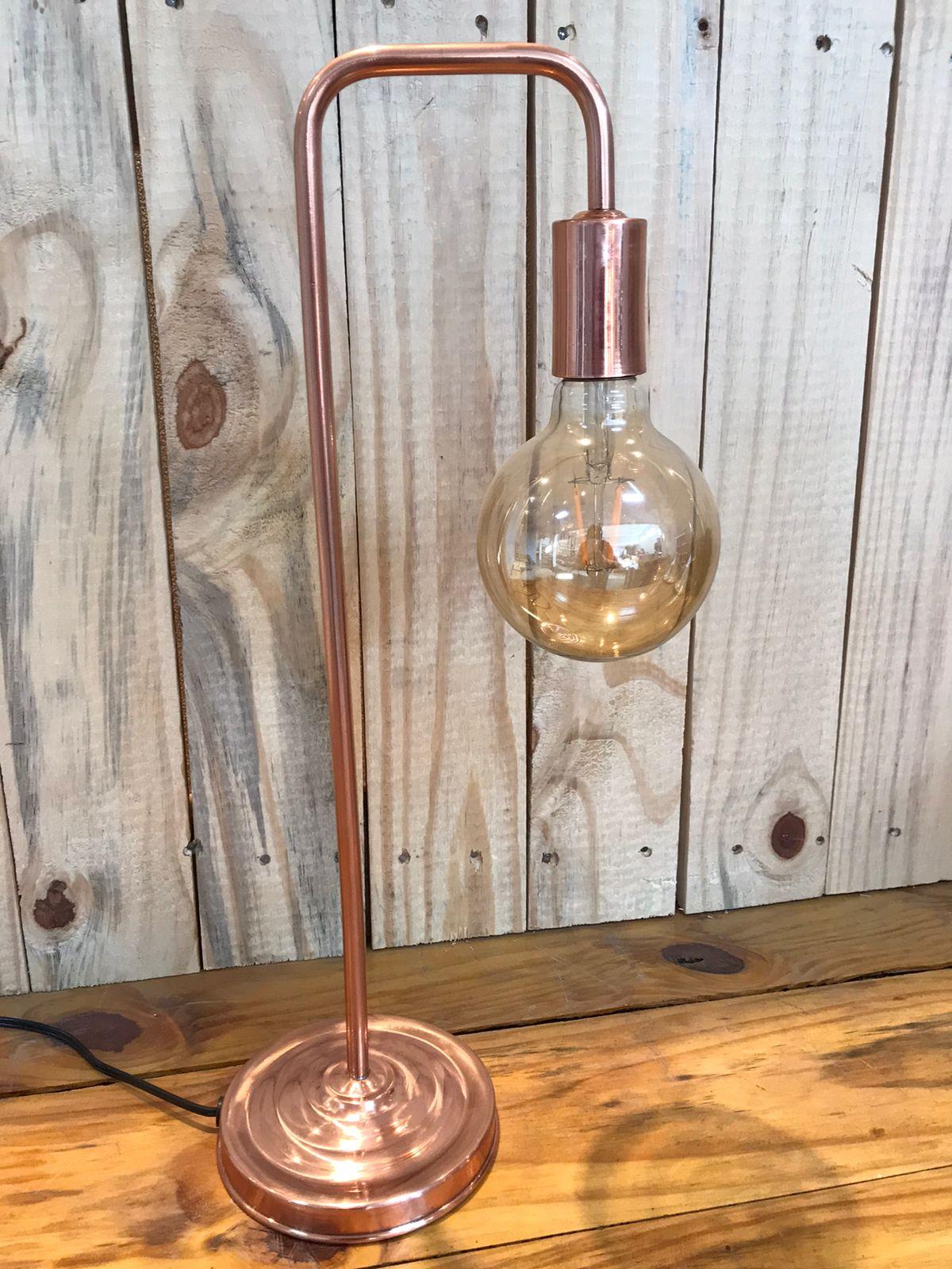 Luminária em Cobre de Mesa Abajur