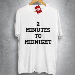 OFERTA - IRON MAIDEN - 2 minutes to midnight - Camiseta BRANCA - Tamanho P