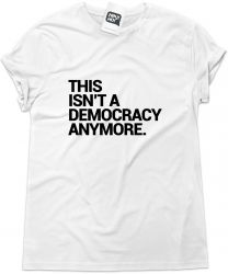 Camiseta e bolsa THE WALKING DEAD - This isn't a democracy anymore