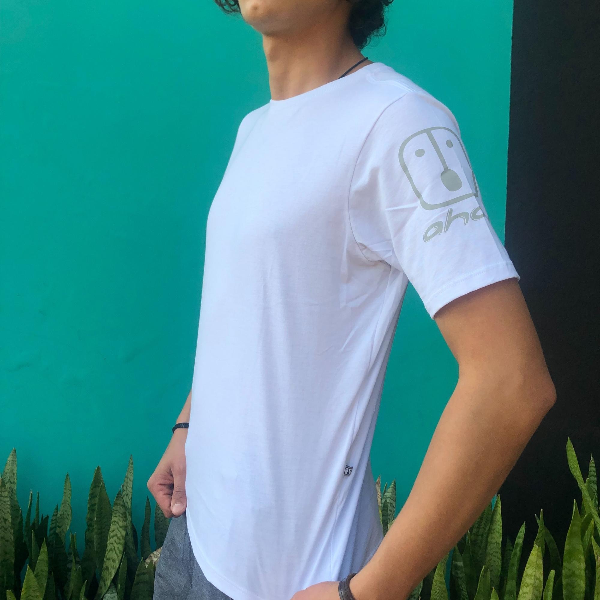 T-Shirt Casual Branca Ahau - Masculina