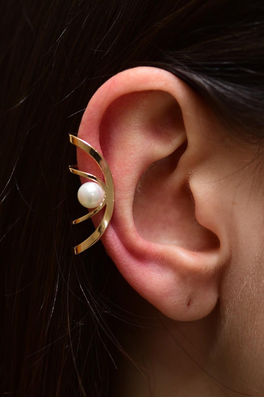 Brinco Ear Hook de Pérola