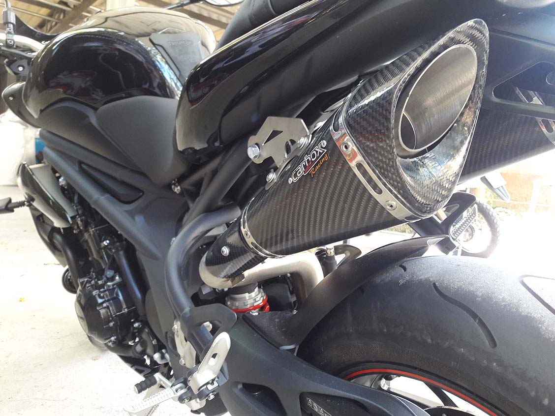 Ponteira Dupla Esportiva Scorpion GP 720 Carbon  Triumph Speed Triple 1050