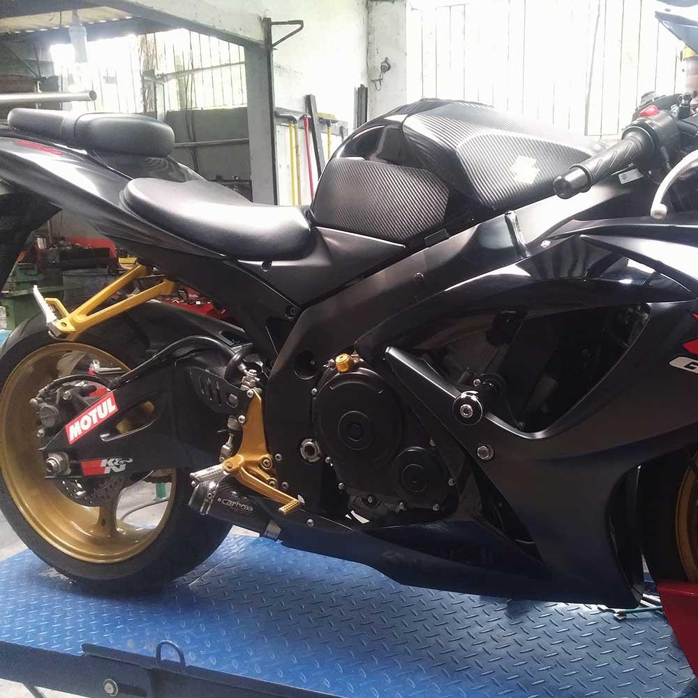Ponteira GP Tech Carbon p/ Suzuki SRAD GSXR750