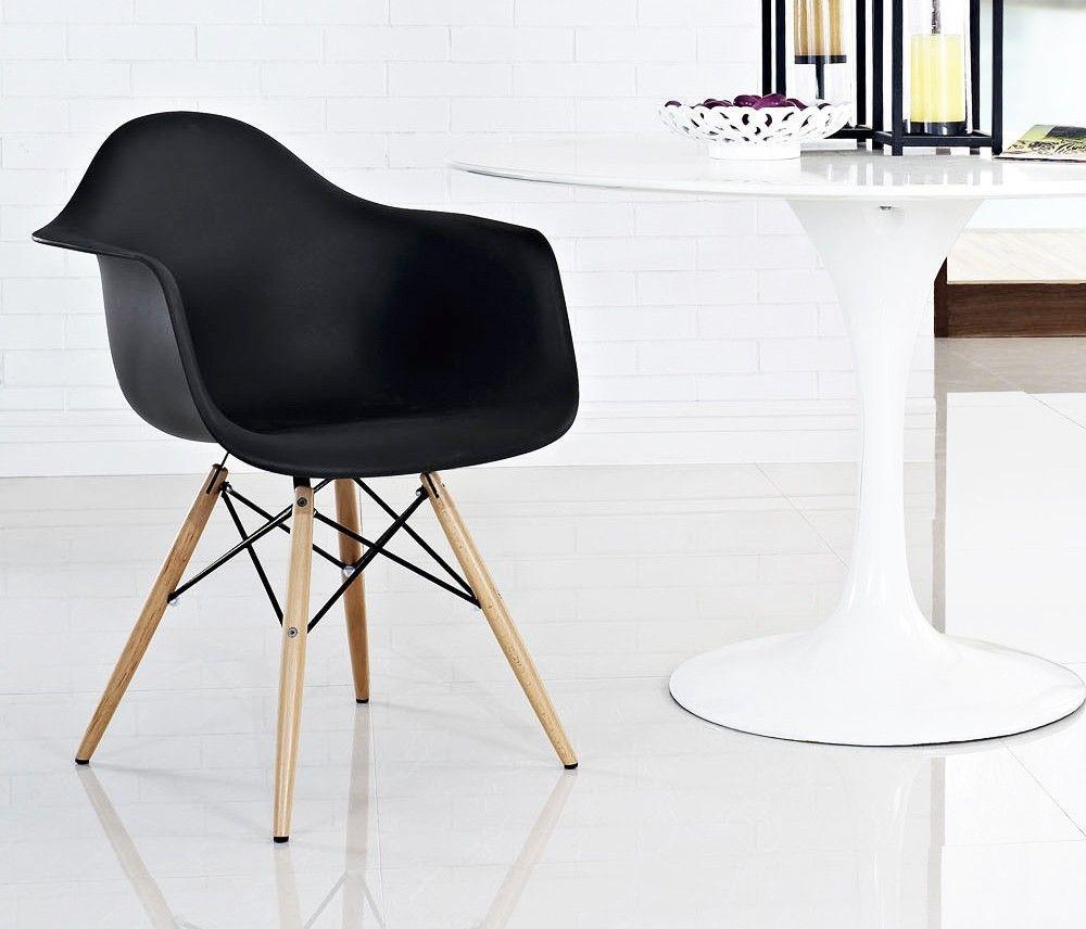 Cadeira Eames Preta c/ Braço